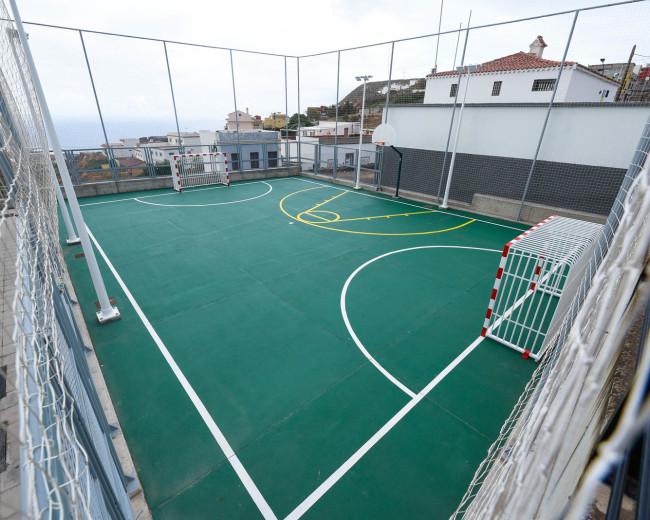 Salón multiusos y cancha deportiva en San Juan